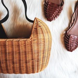 Vintage Amanda Smith Straw Handbag